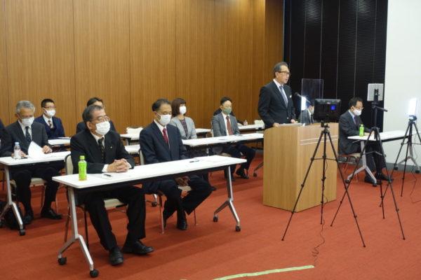 会場で出版社の協力を訴えるトーハン・近藤社長