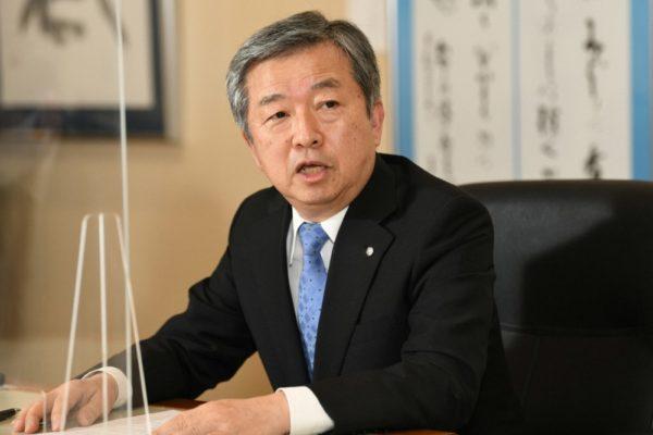 専門紙各社のインタビューに答える毎日新聞社の丸山昌宏社長