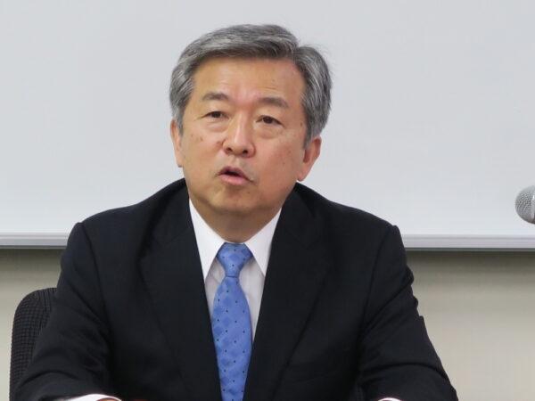 6月16日に新聞協会で会見し抱負を述べる丸山新会長