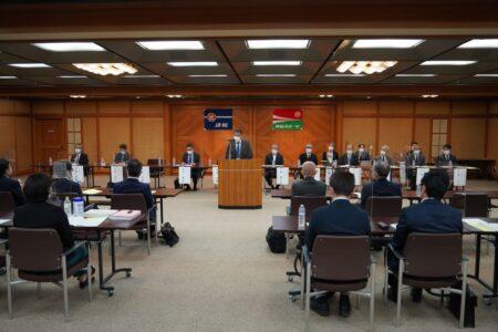 本社特別会議室で開かれた道新会連合会総会